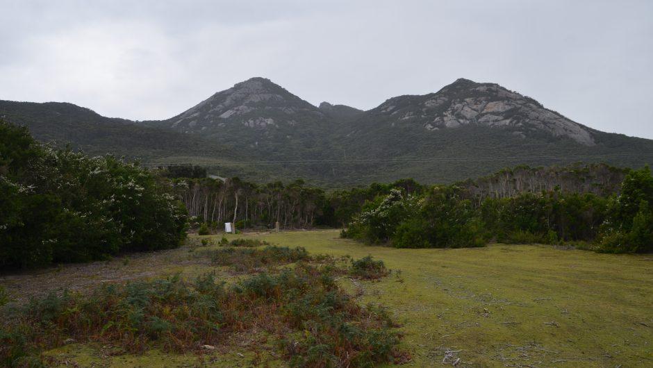 Bushwalking Flinders Island